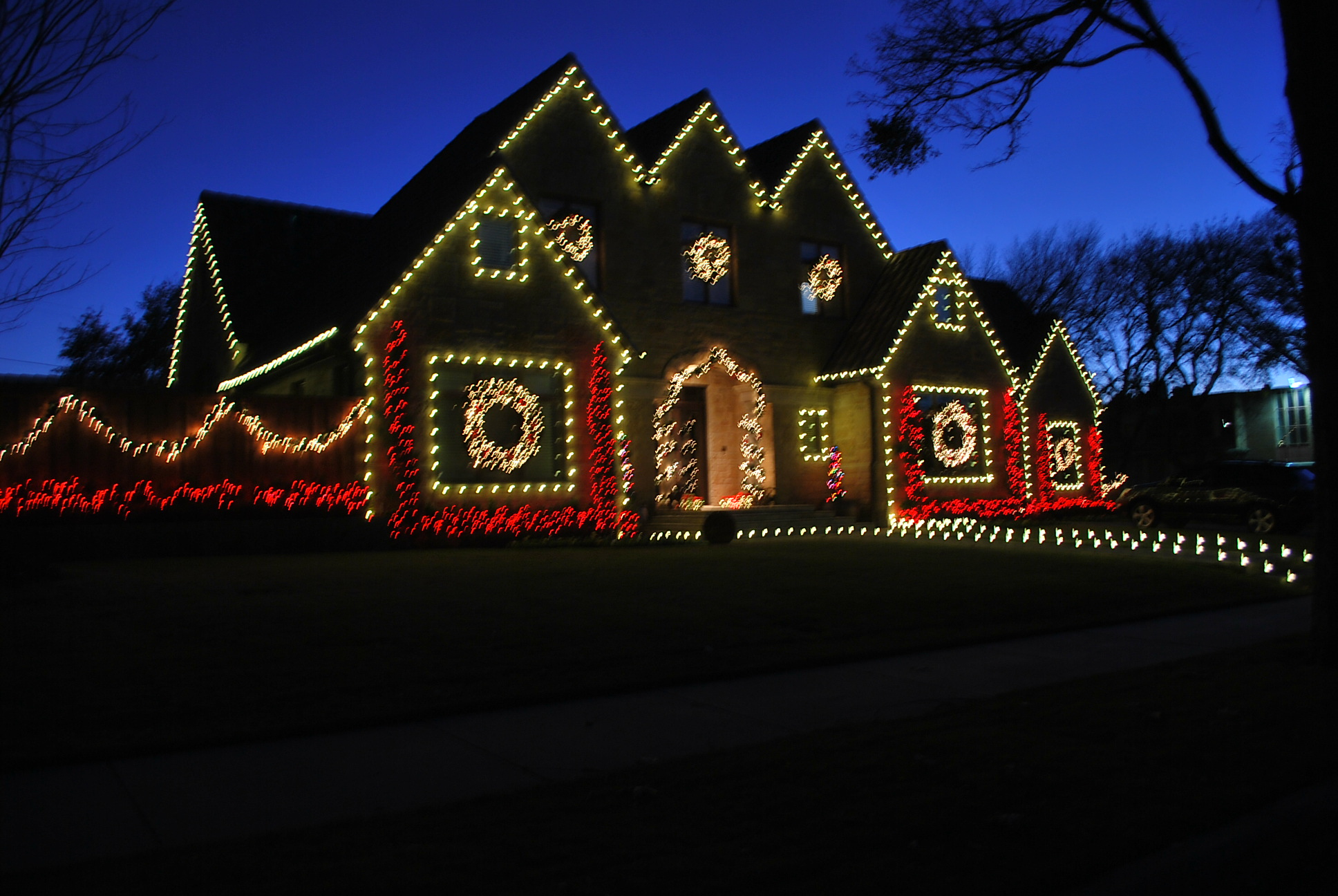 Synchronized Christmas Light Display